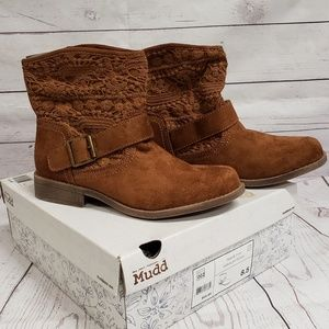 NWT Mudd Ankle Boots